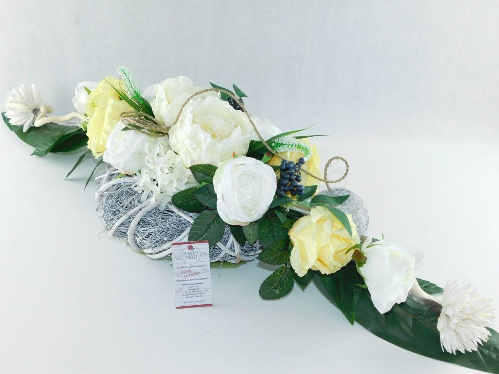 Stroik Na Cmentarz Wdziecznosc Roza I Piwonia Kwiaty Na Cmentarz