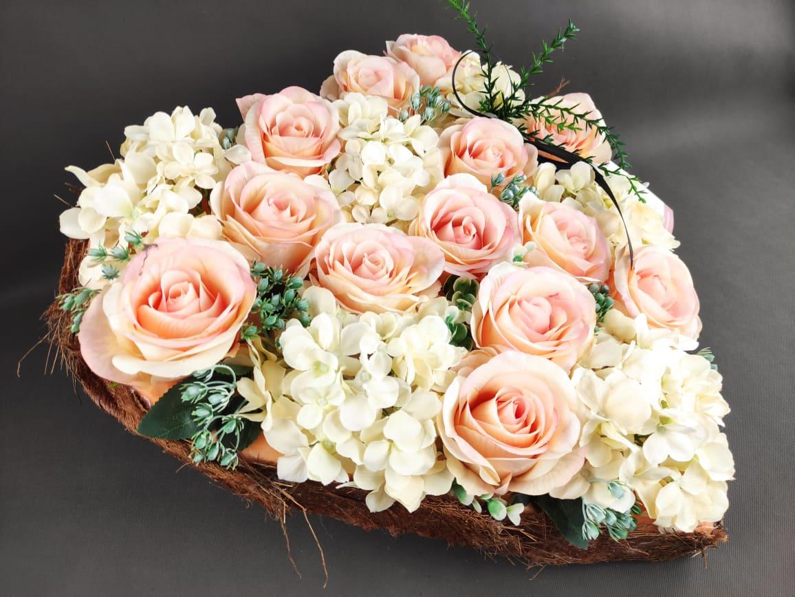 stroik na cmentarz serce różowe